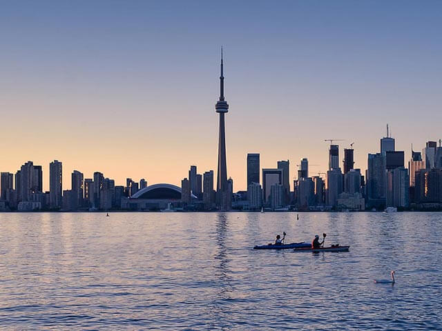 Book your flight to Toronto with eDreams